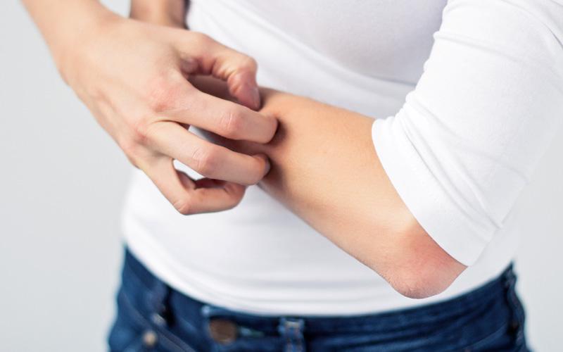 Irritazioni: spesso la causa è il trattamento chimico dei tessuti